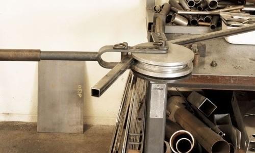 Ручной трубогиб для столярных работ
