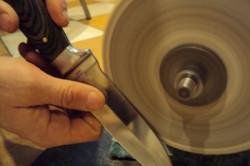 Абразивный круг для заточки ножа