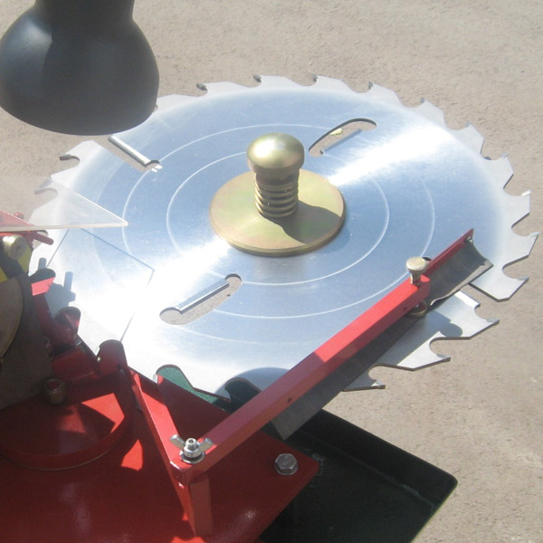 Как заточить дисковую пилу напайками своими руками