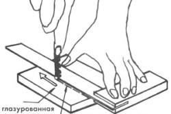 Схема резки плитки при помощи стеклореза