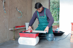 Меры предосторожности при резке плитки