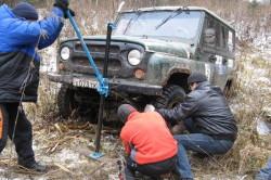 Вытаскивание автомобиля из межколейки