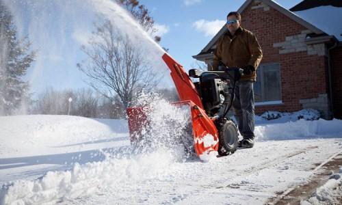 Чистка снега самодельным снегоуборщиком