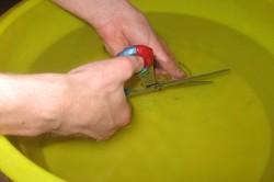 Чем можно резать стекло